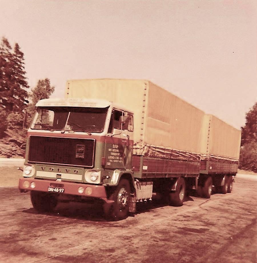 Volvo-F89-Douma-Leen-chauffeur-Wessel-Schuitema-