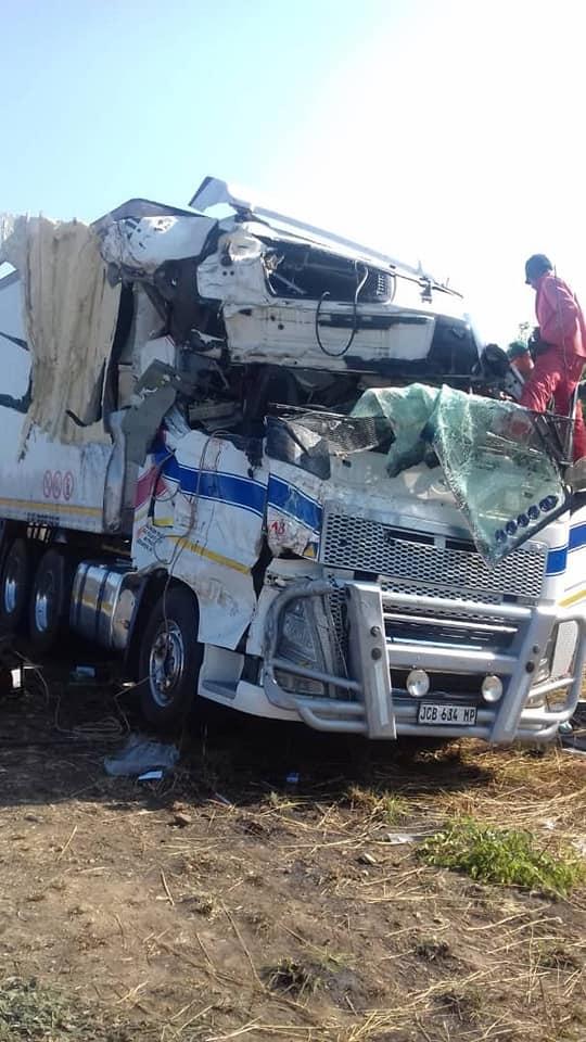 Accident-in-Chinhoyi-Zimbabwe--13-10-2018--1