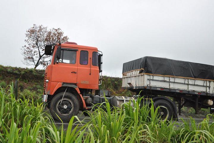 Scania-met-naar-voor-geplaatste-stuuras