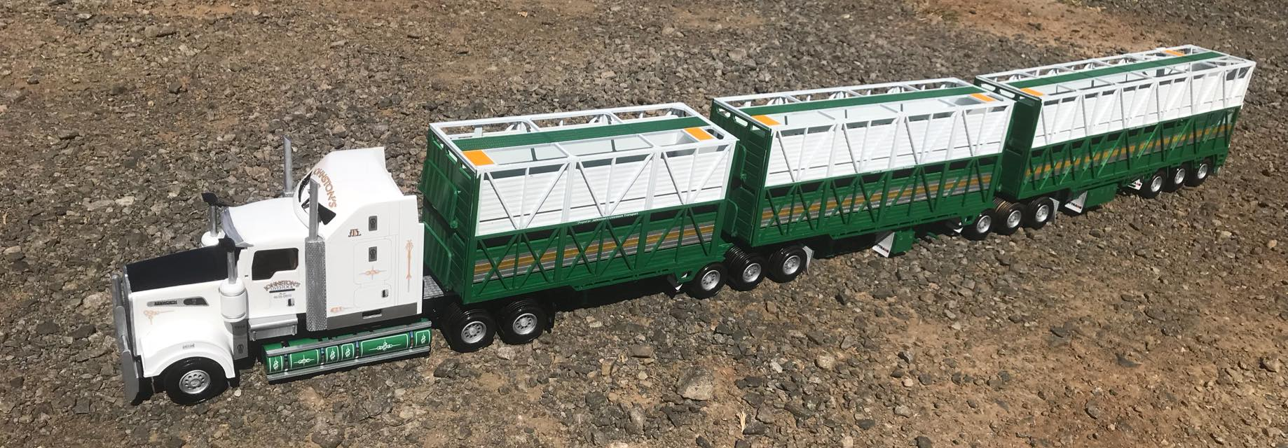 KW-T909-Rytrans-livestock-trailers-1