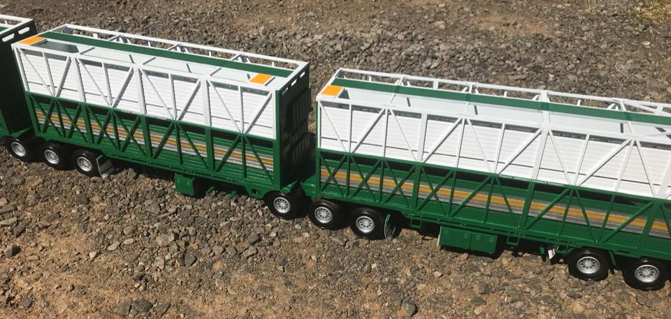KW-T909-Rytrans-livestock-trailers-2