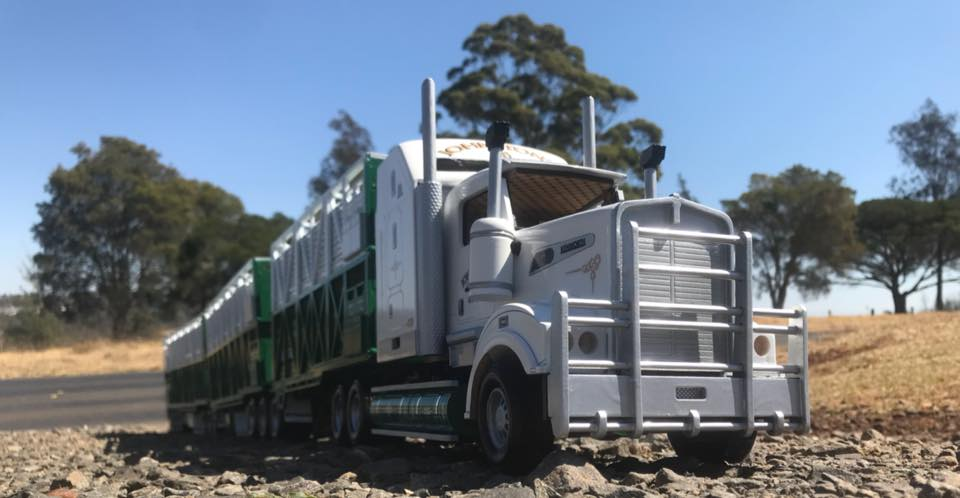 KW-T909-Rytrans-livestock-trailers-3