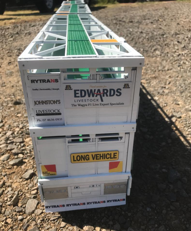 KW-T909-Rytrans-livestock-trailers-4