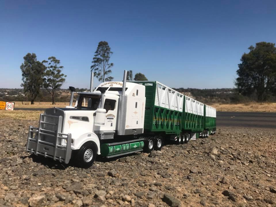 KW-T909-Rytrans-livestock-trailers-5