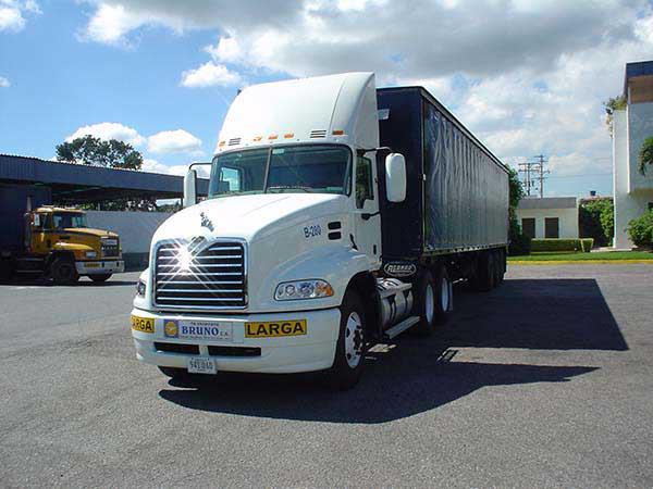 Mack-trucks-12