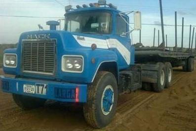 Mack-trucks-15