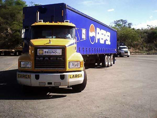 Mack-trucks-2
