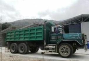 Mack-trucks-20