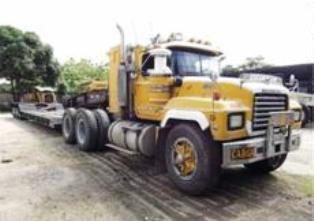 Mack-trucks-5