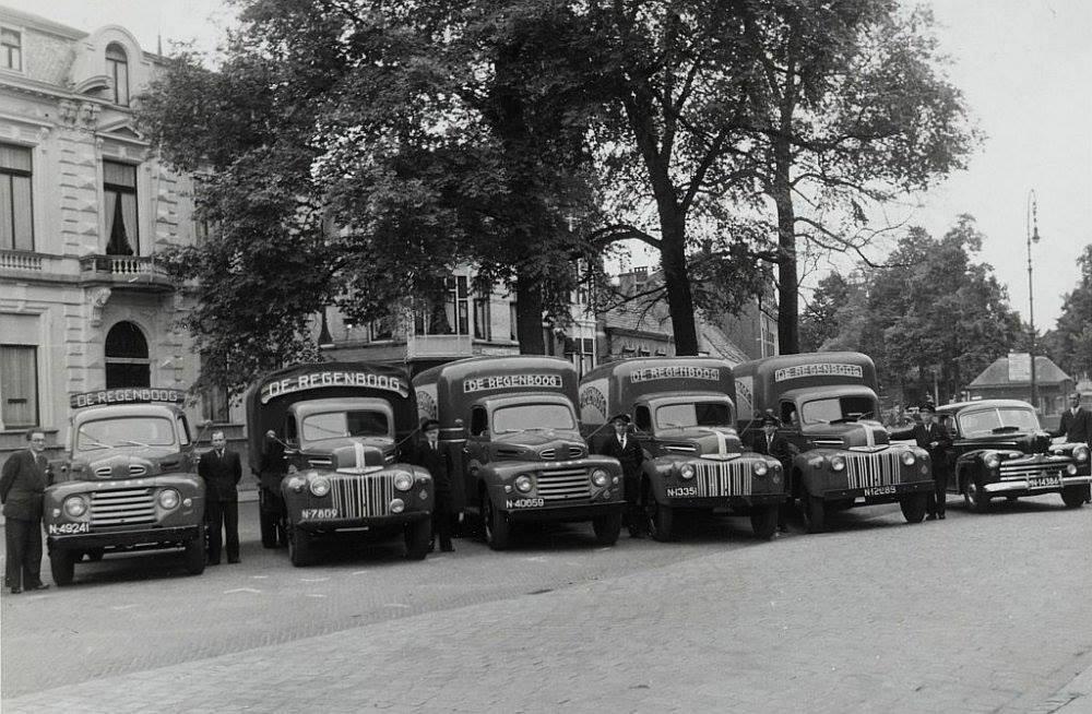 Tilburg-Heuvel-Stoomververij-Chemische-Wasserij-de-Regenboog-Autozegening--1950-