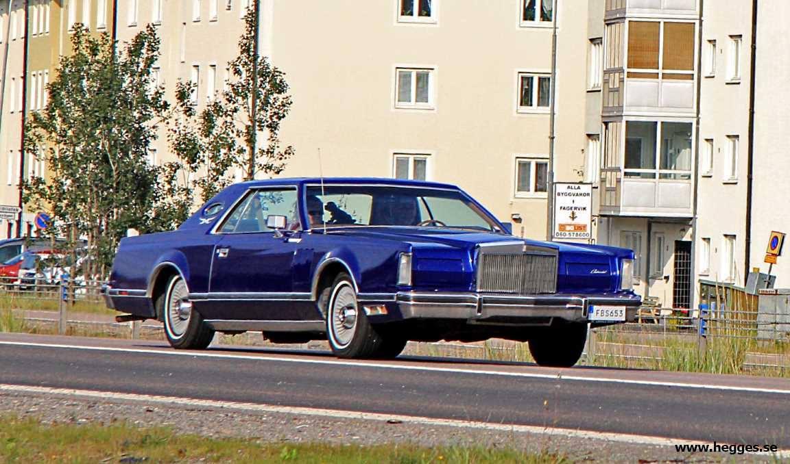 Lincoln-Continental-1977