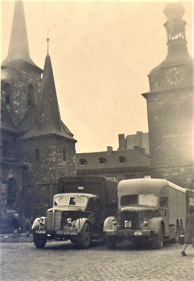 verslag-reis-Amsterdam-Praag-met-koffie-bonen--Begin-jaren-50--En-dat-zonder-kachel--geen-antivries-dus-elke-avond-het-water-eraf--geen-stuur-bekrachtiging-en-het-gigantische-vermogen-van-138-PK--1