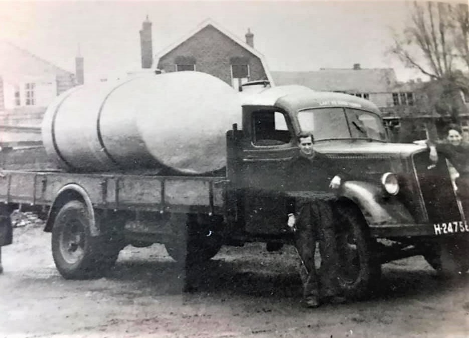 Opel-Blitz-Melktankwagen--
