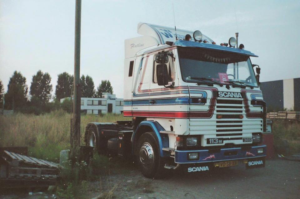 Scania-113M---oude-doos
