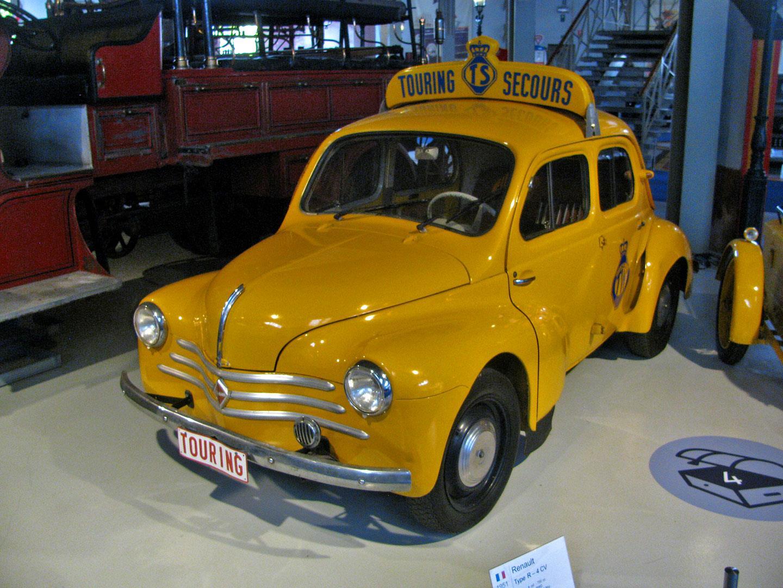 Renault-4CV--1951-van-Touring-Wegenhulp