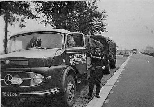 Chauffeur-Jan--Maas-bij-de-maastunnel-