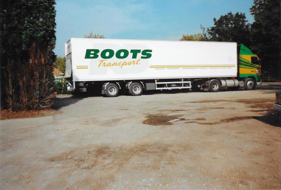 De-nieuwe-bloemen--en-planten-trailer-van-Kromhout-