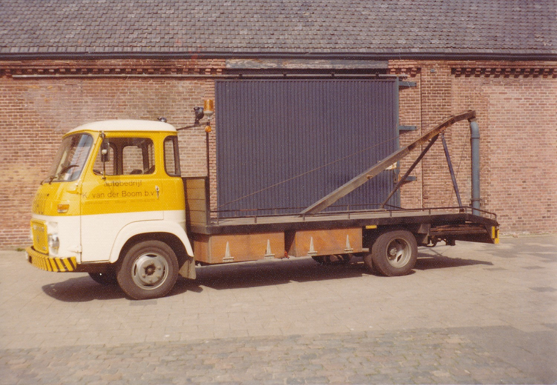 Renault--Saviem-SG3-K-Van-der-Boom-Tilburg--1