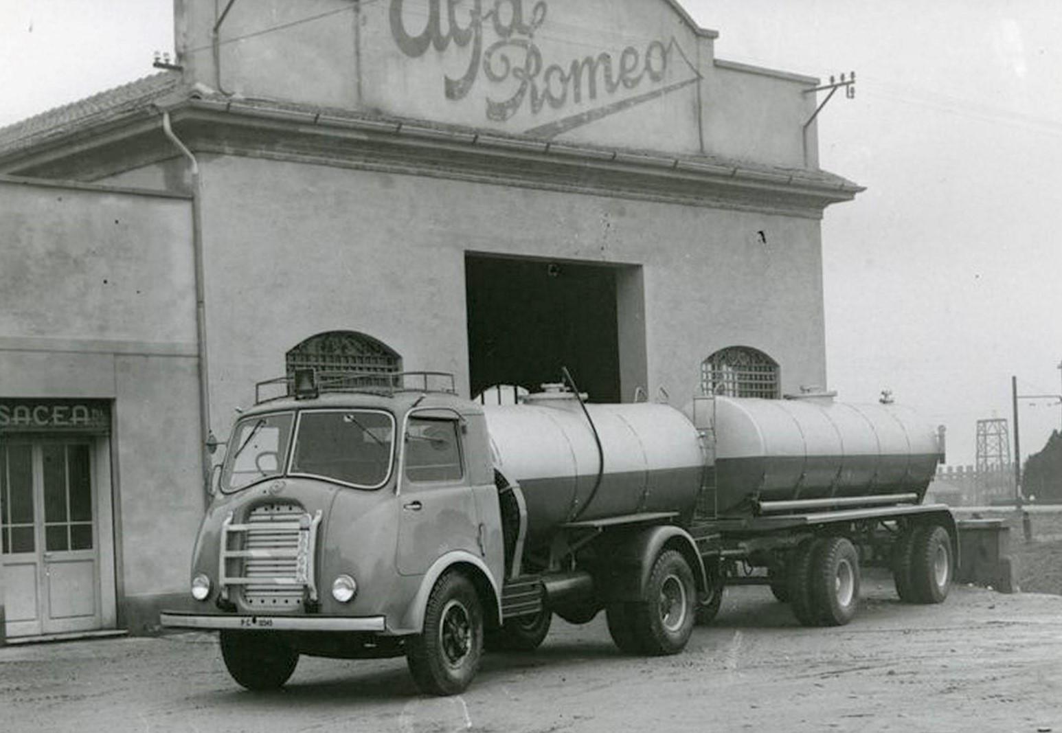 Alfa-Romeo--4