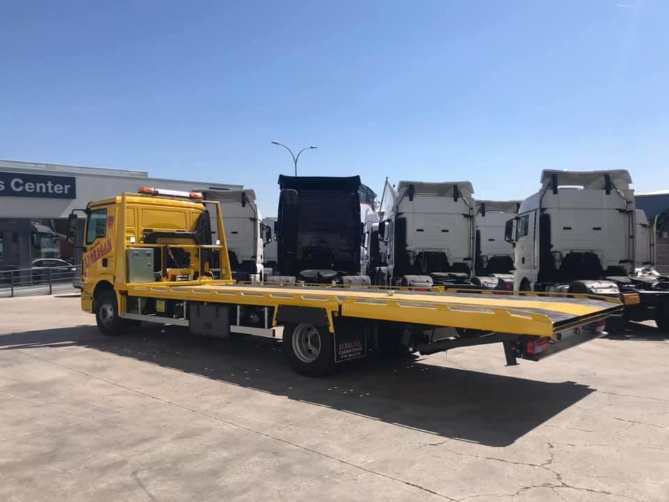 MAN-15-ton-laadv-bestemd-voor-lange-bussen-en-tranctoren---26-3-3029-