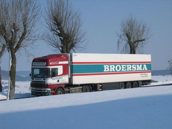 Scania---in-de-sneeuw
