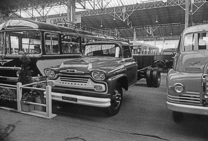 Chevrolet-Auto-salon-Paris-1956-archief-Paul-de-Keizer-10