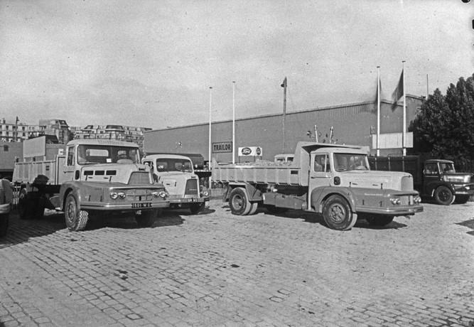 UNIC-Auto-salon-Paris-1956-archief-Paul-de-Keizer-5