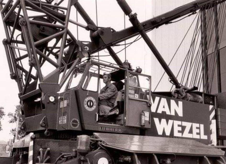 Liebherr-130-tonner