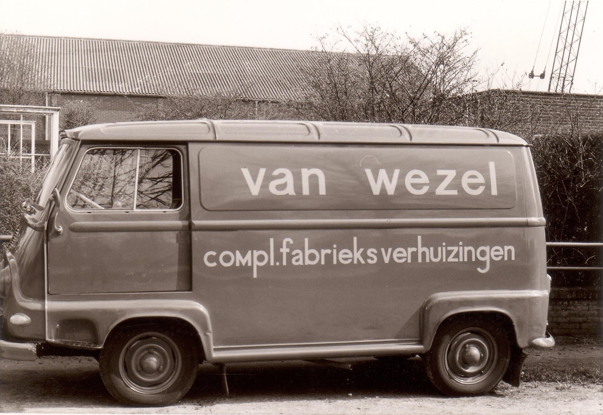 Renault--Eerste-montagebusje