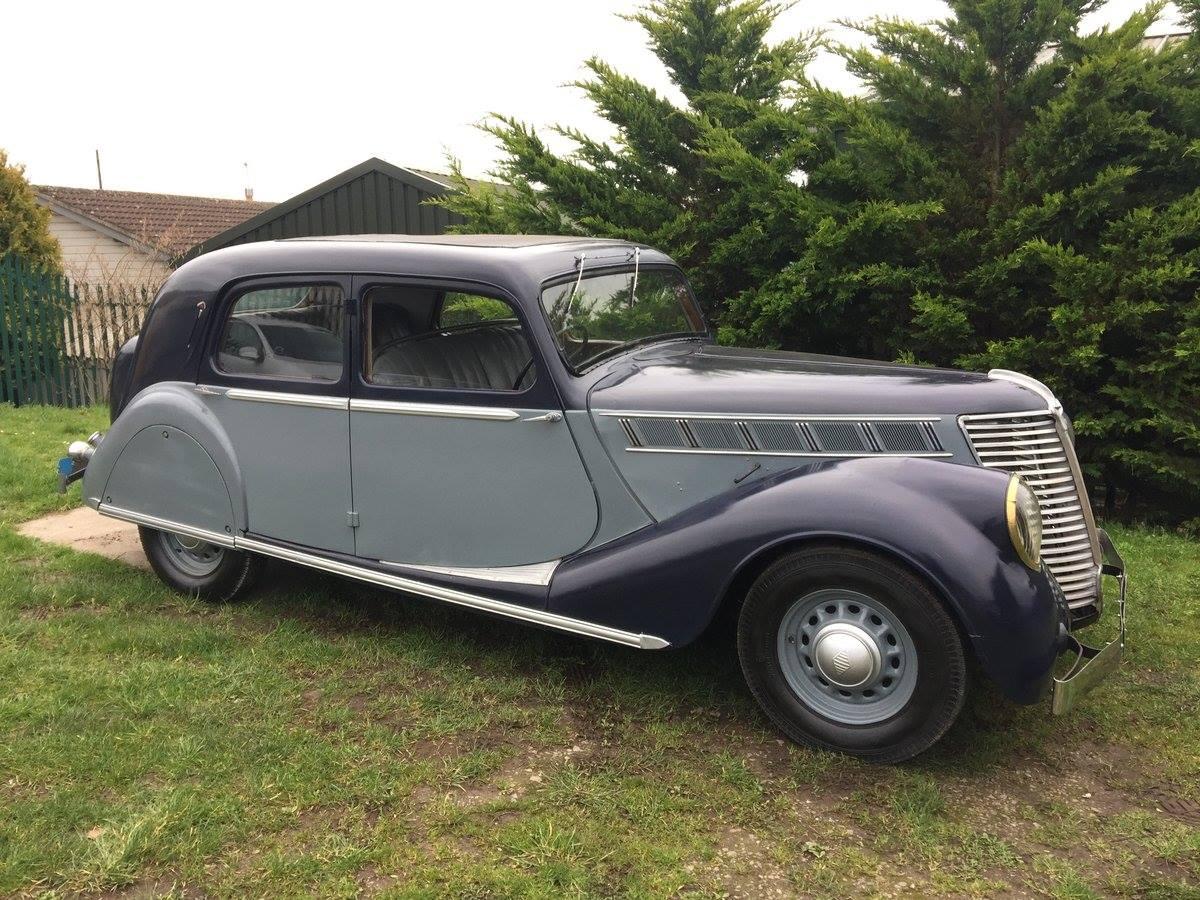 Renault-Viva-grand-sport--BDV1--23-cv---6-cyl--4085-cm3--95-ch--annee-1939-1
