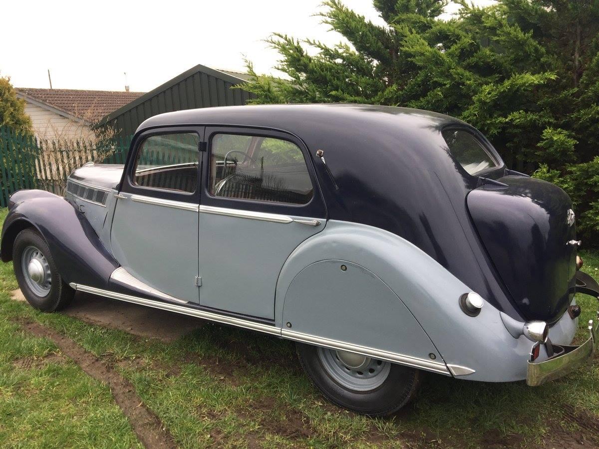 Renault-Viva-grand-sport--BDV1--23-cv---6-cyl--4085-cm3--95-ch--annee-1939-2