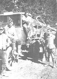 0-Mitarbeiter-der-Hubert-Rutgers-Langholz-Transporte-Foto-entstanden-um-1930
