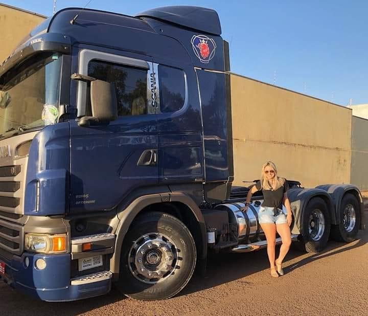 Paula-met-de-Scania-