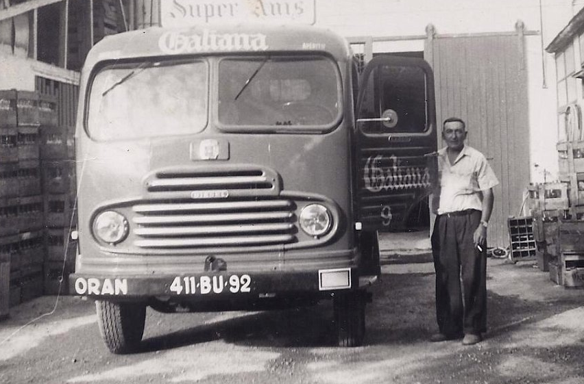 Simca-Cargo-a-Oran-en-1955-archives-Carlos-Galiana
