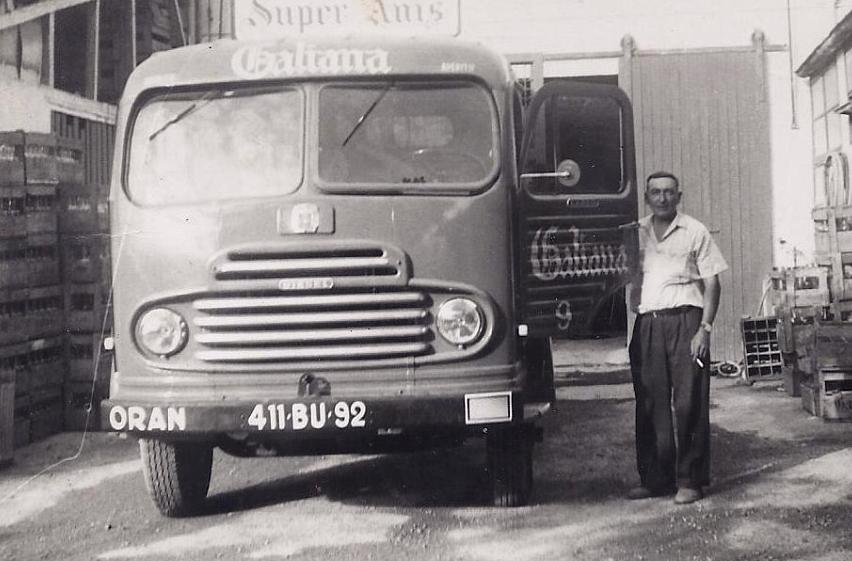 Simca-Cargo-a-Oran-en-1955-archives-Carlos-Galiana