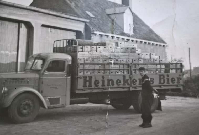 0-Scania-Vabis--Bult-Bakhuizen-chauffeur-Jaap-schaper--Rond-de-jaren-1960-2
