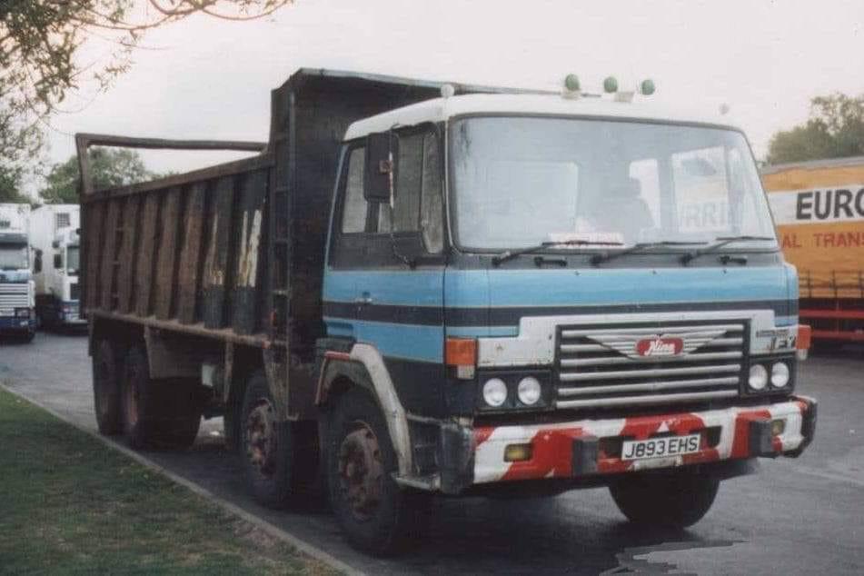 HINO-8X4