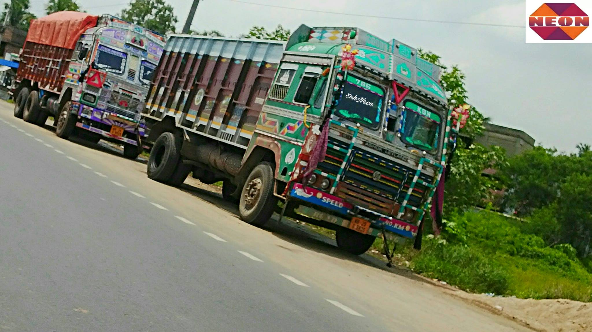 Ashok-Leyland-1616il-open-truck-Tata-2518c-open-truck-CHAMPADANGA-DANKUNI-ROAD-HOOGHLY--WEST-BENGAL-INDIA-