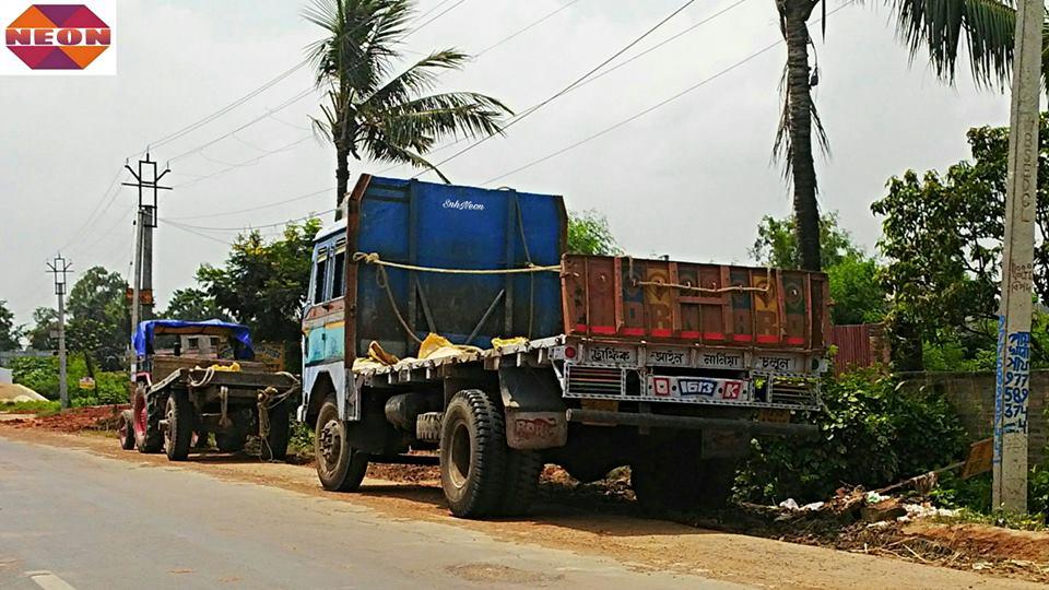 Tata-1613c-flatbed-truck---CHAMPADANGA-DANKUNI-ROAD--HOOGHLY--WEST-BENGAL--INDIA-