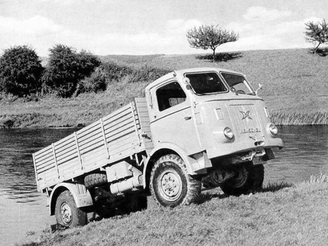 Henschel-HS-115-1953-1957--4X4