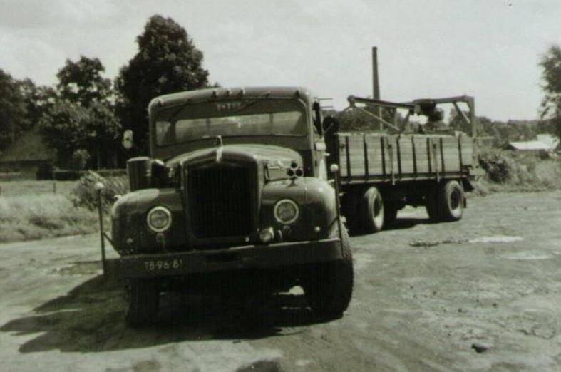 Mack12-de-gele-Mack-is-later-een-andere-laadbak-op-gekomen-met-Hulo-en-is-toen-rood-gespoten-opde-foto-Kees-Willemsen-en-Eef-Mulder-3