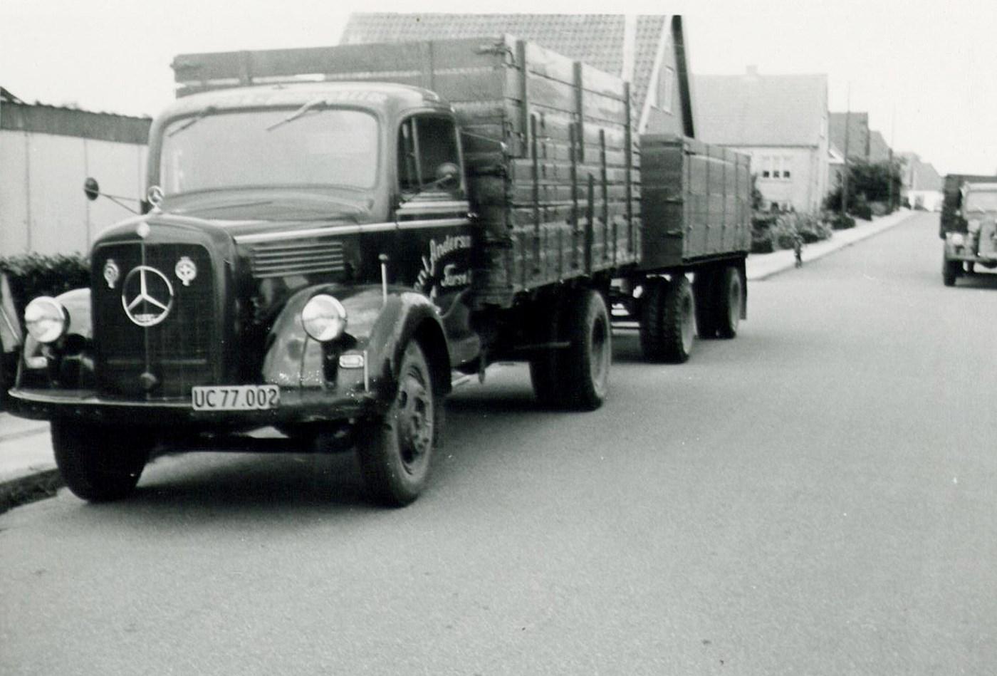 1956--Mercedes---L315-