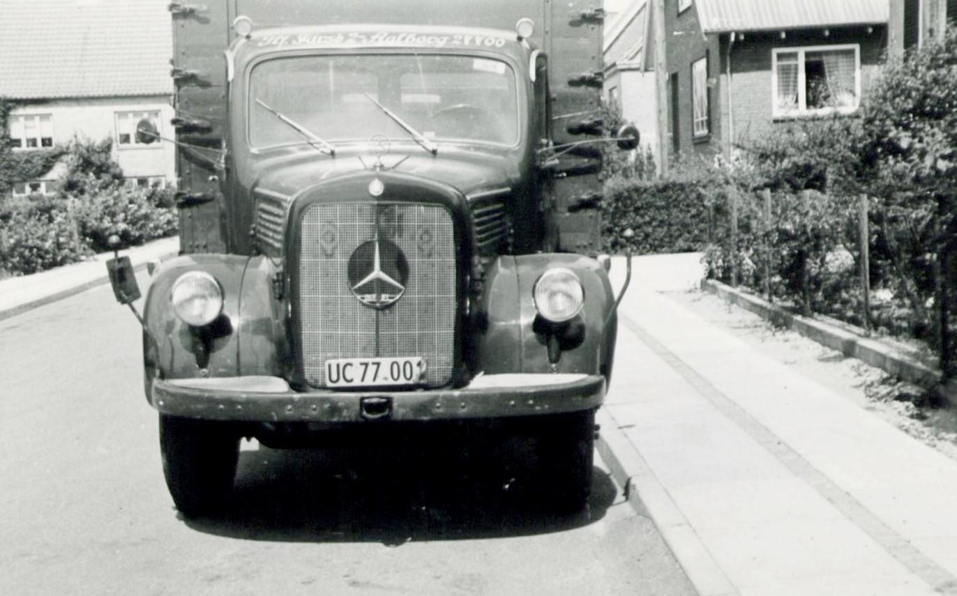1957-Mercedes-L315
