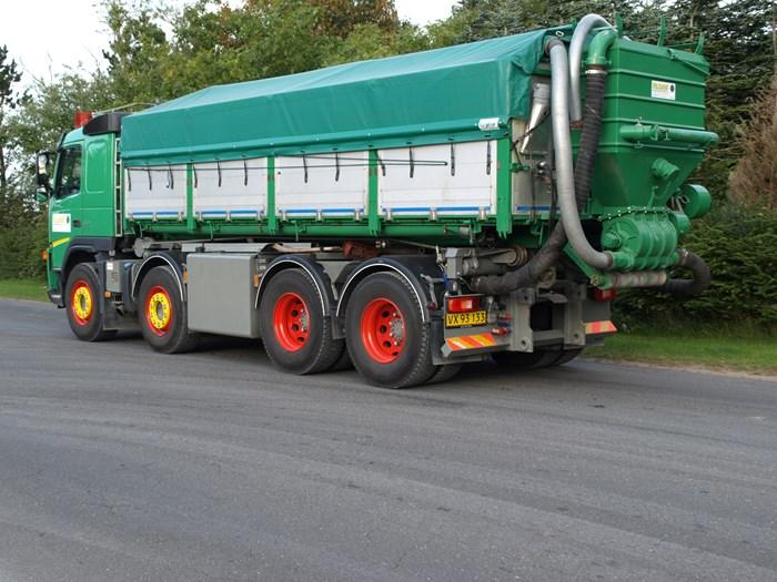 6-medbringer-trucks-lastbilplusanhaenger-002