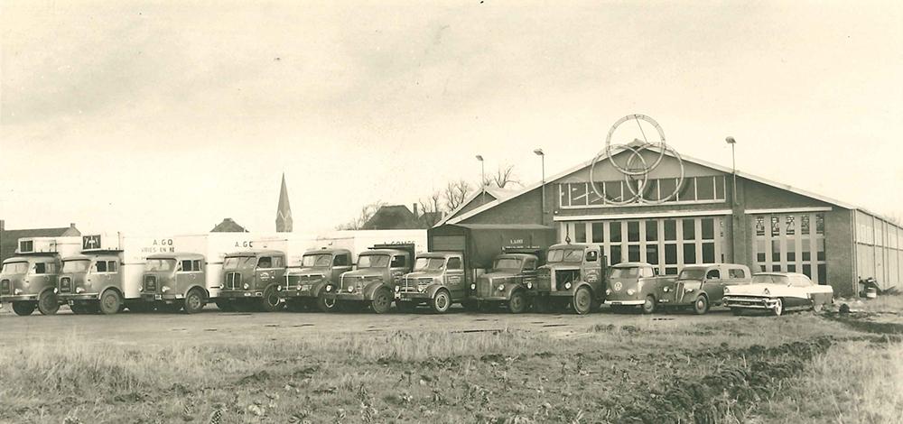 Gomes-Noord-Holland-B-V--dankt-haar-naam-aan-grondlegger-Arie-Gomes-die-in-1934-met-een-transportbedrijf-begon-in-Alkmaar--In-1972-verworven-Tinus-en-Piet-