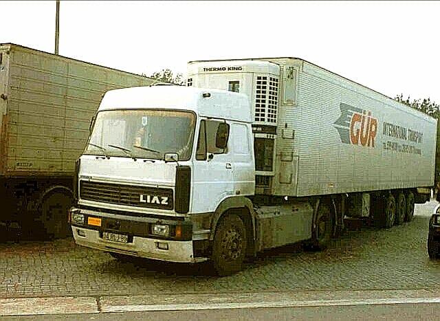 Liaz---Camion-