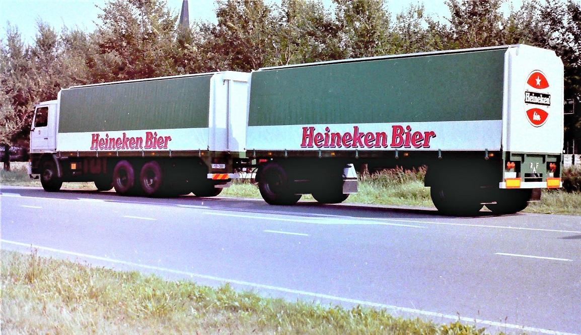 Scania-112H-met-een-RAF-aanhangwagen-is-door-Rondaan-in-Beetgum--2