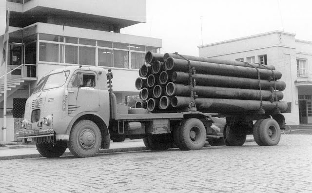 FNM-D-11-000-1967-in-de-stad-zuid-rivier-sc--Motor--mercedes-benz-lp-321-