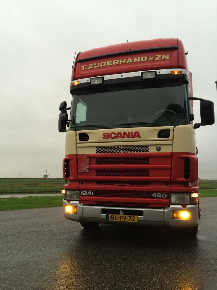 Scania--124L-420-