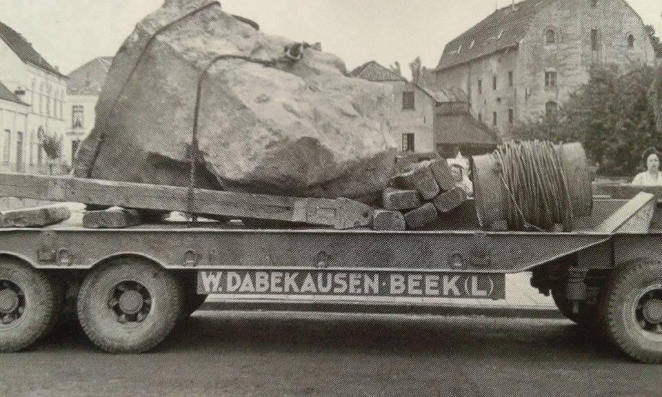 1951-plaatsen-van-de-kei-in-Valkenburg